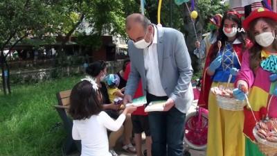 kitap okuma -  Başkan Türkyılmaz'dan çocuklara renkli sürpriz