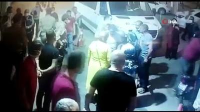 saglik hizmeti -  Salgınla mücadelenin kahramanı sağlıkçıyı öldüresiye dövdüler...Dehşet anları kamerada