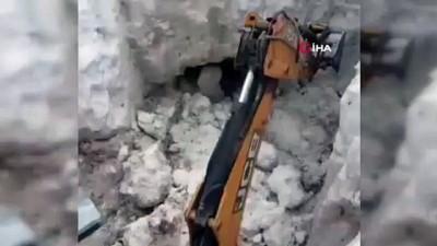 kar yagisi -  Van'da Haziran ayında karla mücadele
