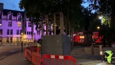 Gandhi ve Mandela'nın Parlamento Meydanında bulunan heykelleri korumaya alındı (2) - LONDRA