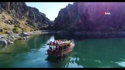 Yeni keşif kanyonlar turizme kazandırılıyor