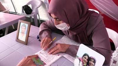 Dağa kaçırılan kızının acısını yazıya dökmek için okuma yazma öğreniyor - DİYARBAKIR