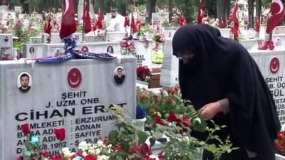 Jandarma'nın 181. Kuruluş yıl dönümünde Edirnekapı şehitliği ziyaret edildi