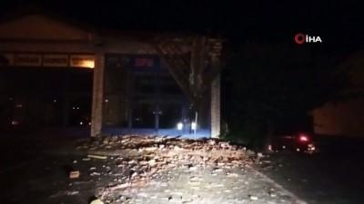 Şiddetli rüzgar Çorum'da çatıları uçurdu