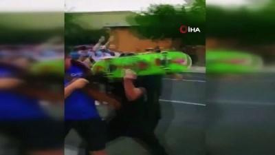 - ABD'de eski sömürge valisinin heykeline yönelik protestoda silahlı saldırı - 'New Mexico Sivil Muhafızları' adlı silahlı grubun üyeleri tutuklandı