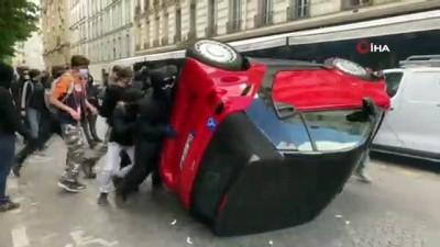 polis araci -  - Fransa'da sağlık çalışanları yeniden sokağa indi - Fransa'da hastanelerde ekipman sıkıntısı sürüyor