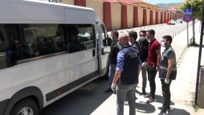 Afyonkarahisar'da DAEŞ şüphelisi 6 kişi adliyeye sevk edildi