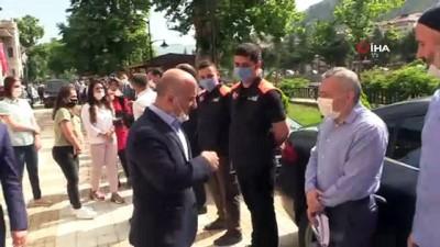 Amasyalılar gözyaşları eşliğinde Vali Varol  Ağrı'ya uğurladı