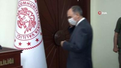 Konya Valisi Özkan göreve başladı
