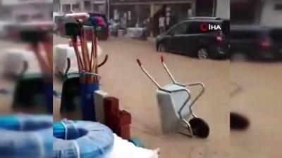 Pazaryeri'ni sel vurdu, bir çok iş yeri ve evi su bastı