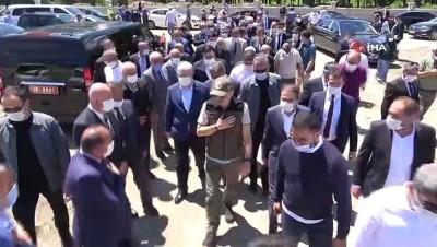 """Bakan Pakdemirli'den 'kurbanlık' açıklaması: """"Dini vecibeleri yerine getirme konusunda hiçbir eksik yok"""""""