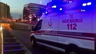 saglik ekibi -  Beylikdüzü'nde kontrolden çıkan araç devrildi : 4 yaralı