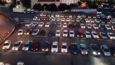 klasik otomobil -  Çekmeköy'de açık havada arabalı sinema nostaljisi  keyfi