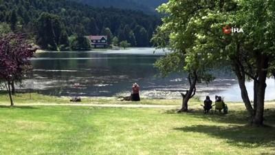 yabanci turist -  'Gölcük Tabiat Parkı' tatilci akınına uğradı