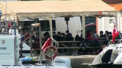 Ayvalık'ta heyecanlı anlar...Yunan Sahil Güvenlik 35 göçmenin olduğu şişme botunu Türk karasularına itti