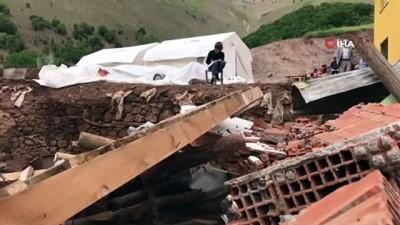 ders calis -  Depremde ölümden saniyelerle kurtuldu, şimdi çadırda üniversiteye hazırlanıyor