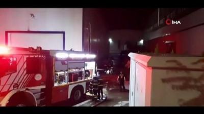 kapali alan -  Kocaeli'de spor malzemeleri üreten fabrika alev alev yanıyor