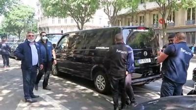 - Paris'te özel şoförlerden yolları kapatan Belediye Başkanı Hidalgo'ya tabutlu protesto