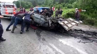 ocaklar -  Bolu'da tırla çarpışan otomobil sürücü yanan araçta can verdi