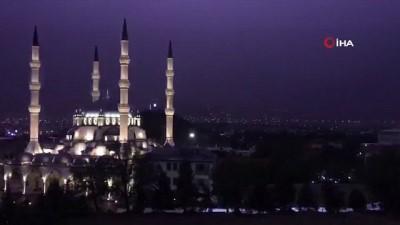 yagan -  Kırıkkale'de şimşekler geceyi aydınlattı