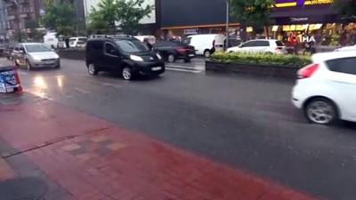 Zonguldak'ta kuvvetli yağış nedeniyle araçlar arızalandı, trafikte uzun kuyruklar oluştu