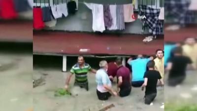 siddetli yagis -  Selde bodrum katta mahsur kalan 3 çocuk böyle kurtarıldı