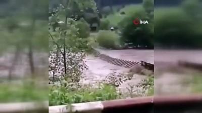 siddetli yagis -  - Ukrayna Başbakanı Shmygal: '2008'den bu yana meydana gelen en kötü sel felaketi' - Ukrayna'daki sel felaketinde 3 kişi öldü