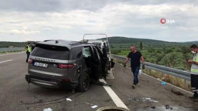 Ünlü şarkıcı Alişan ailesiyle birlikte kaza geçirdi