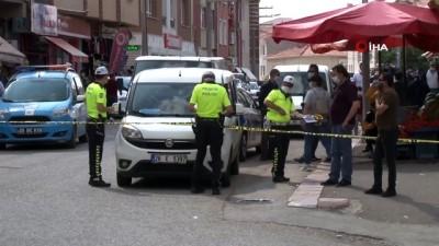 Şehir içi minibüsün çarptığı 5 yaşındaki çocuk hayatını kaybetti...Ağabeyiyle yolun karşısına geçmeye çalışan çocuğa minibüs böyle çarptı
