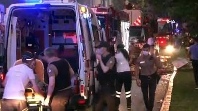 saglik ekibi -  Bahçelievler'de bir binada patlama meydana geldi