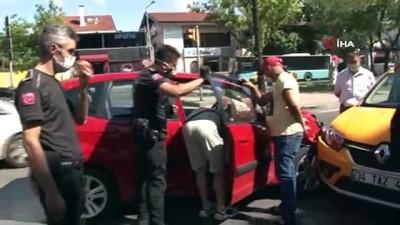 saglik ekibi -  Etiler'de sınava giden gençlerin feci kazası kamerada: 4 yaralı