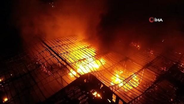 saglik ekibi -  Antalya'da soğuk hava deposundaki yangın kontrol altına alındı