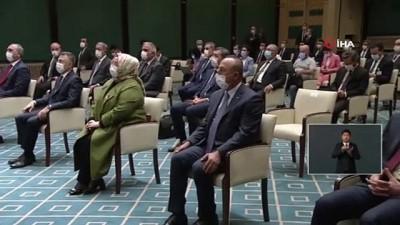 """Cumhurbaşkanı Erdoğan: """"Kısa çalışma ödeneğinden mevcutta yararlananların süresini bir ay daha uzatıyoruz. İş fesih sınırlaması dolayısıyla nakdi destek ücret desteği de bir ay daha devam edecektir."""""""