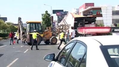 Üst geçidin yüksekliğini hesaplayamadı trafiği felç etti
