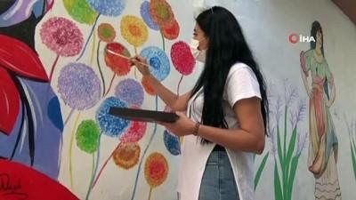 Sur sokakları Nazlı öğretmenle renklendi