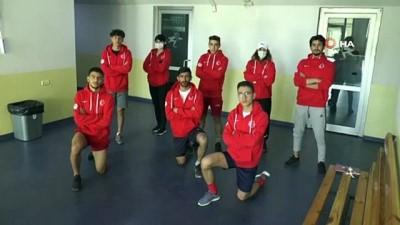milli sporcular - Short Track Milli Takımı sporcuları Polonya'dan canlı yayınla antrenman yapıyor