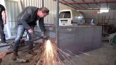 Yeşilçam  filminden esinlenerek yaptığı tilki kapanına talep yağıyor