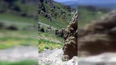 komando - MSB: Hakkari'de PKK'lı teröristlerce kullanılan iki girişli mağara tespit edildi