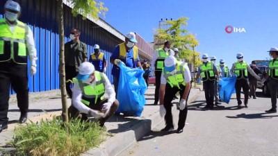 geri donusum -  Başkan Akman, belediye personeli ve mahallelilerle birlikte çöp topladı