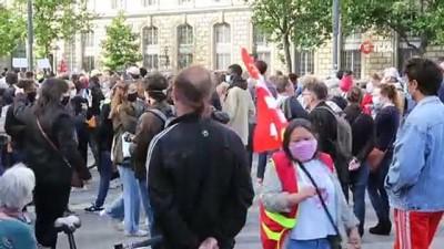 siyasi partiler -  Paris'te ırkçılık karşıtı protesto