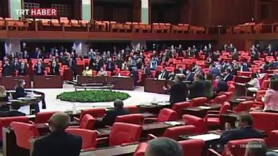 Ayasofya kararı Meclis'te ayakta alkışlandı