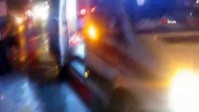 hastane -  Beylikdüzü'nde otomobil tabela direğine çarptı: 4 yaralı