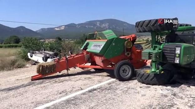 trafik kazasi -  Otomobil traktöre arkadan çarptı: 1 yaralı