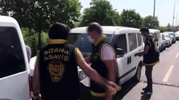 polis araci - 'Asfaltlama yapacağız' vaadiyle dolandırıcılık iddiasına 3 tutuklama - ADANA