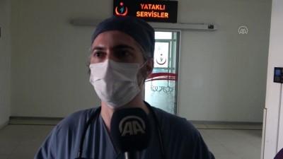 Doktorla tartışan esnaf, acil servisteki sağlık çalışanlarına önlük hediye ederek uzlaştı - BURSA