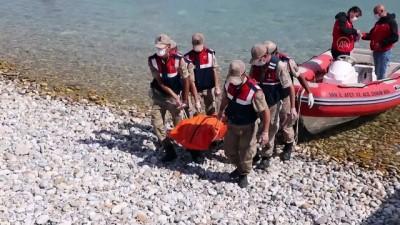 Van Gölü'nde teknenin batması sonucu kaybolan 2 kişinin daha cesedi bulundu (2)