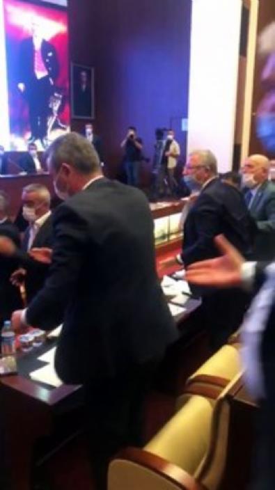 CHP, Belediye Meclisi'ni dağbaşı sandı!