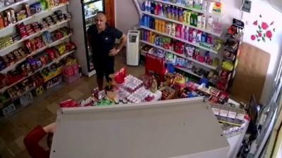 Eşinin yerine markete bakan kadına 'komşuyuz yaz deftere' diyip para ödemeden kayıplara karıştı