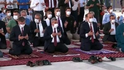 Şanlıurfa'da vatandaşlar meydanlara akın etti