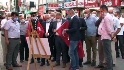 İHA'nın 15 Temmuz fotoğraf sergisi Bucak'ta açıldı